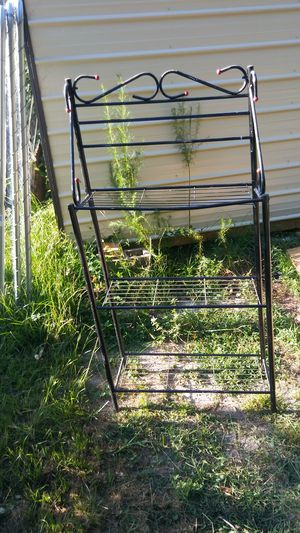 Bakers rack for Sale in Ailey, GA