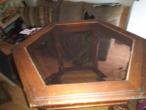 Glass top end table for Sale in Charleston, WV