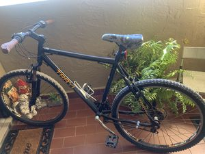 """26inch """"Trail"""" bicycle 21 speed for Sale in Miami, FL"""