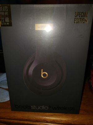 NEW IN BOX DR DRE BEATS 3 WIRELESS SPECIAL EDITION for Sale in Colton, CA