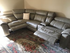 1 yr old leather couch with 2 power recliners. Barely used. $1950 OBO for Sale in Spring Hill, TN