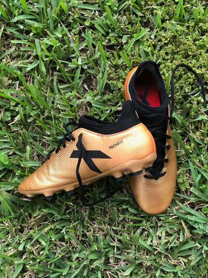 ADIDAS TECHFIT 17.1 GOLD SOCCER CLEATS for Sale in Orlando, FL