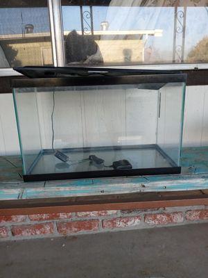 10 gallon aquarium for Sale in Hemet, CA