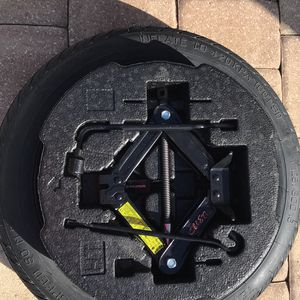 Hyundai Sonata spare tire kit for Sale in Clearwater, FL