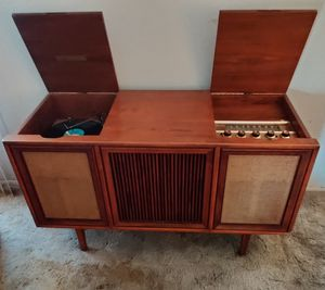 Motorola Three Channel Stereophonic HiFi SK32W Cabinet by Drexel for Sale in Tempe, AZ