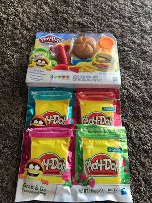 Play-Doh Kitchen Creations Burger Bash set with 2 of the Grab & Go packs for Sale in Gilbert, AZ