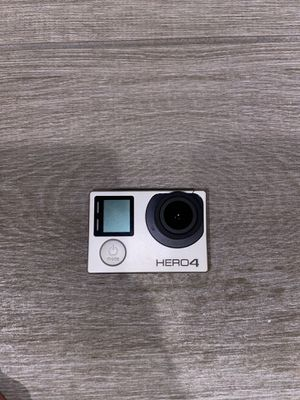 GoPro Hero 4 with accessories for Sale in Alafaya, FL