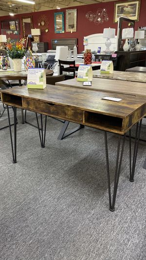 Rustic Brown Office Desk with Metal Rod Legs LO for Sale in Euless, TX