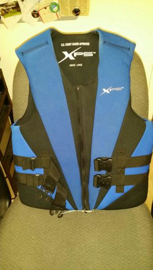 Xps watt ski vest. Adult large 40 to 42.5 inches chest size for Sale in West Palm Beach, FL