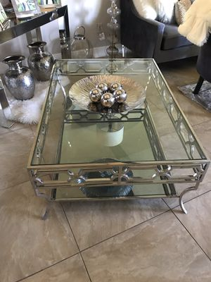 Avalon Silver Coffee table stainless steel from el Dorado furniture $200 for Sale in Miami, FL