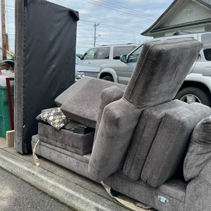 Free Sectional On Curb for Sale in West Linn, OR