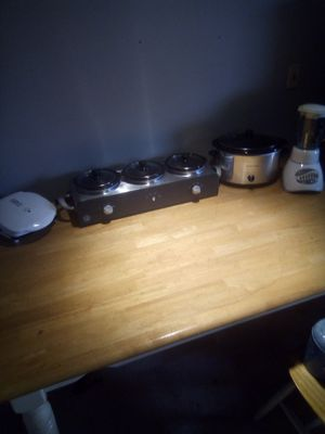 Hamilton Beach crock pot, Oster blender, George foreman grilling , Bella cucina artful food three peice pot set for Sale in Columbus, OH