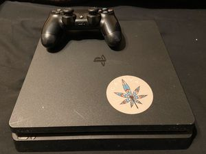 PS4 slim for Sale in Victorville, CA