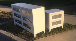 Pending pickup. Free dresser and night stand. Mirror fronts for Sale in Orange, CA