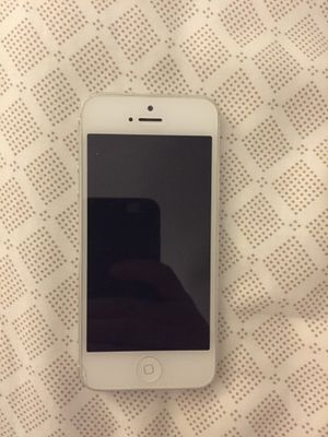 White iPhone 5 - 16GB (AT&T) for Sale in Nashville, TN