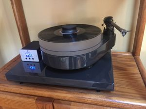 TURNTABLE: Pro-Ject 10.1 RPM for Sale in Mill Creek, WA