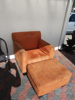 Free chair with foot rest for Sale in Spring Valley, CA