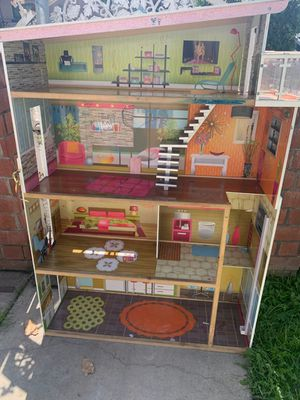 Barbie house for Sale in Los Angeles, CA