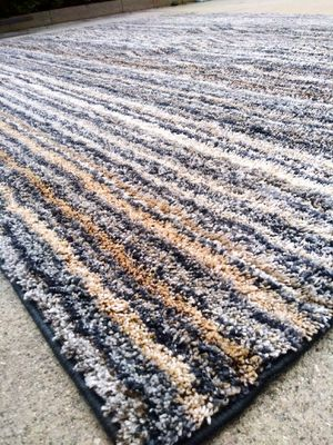 7 FEET x 8 FEET THIN LIGHT AREA RUG for Sale in San Dimas, CA