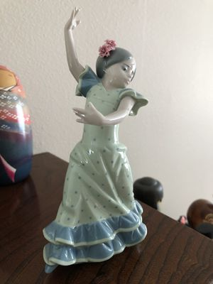 Beautiful lladro figurine for Sale in BETHEL, WA