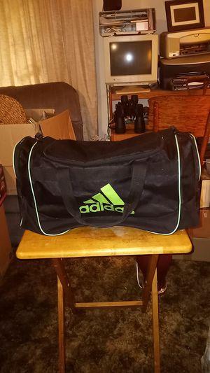 Adidas duffle bag for Sale in Lake Stevens, WA