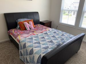 Queen Bedroom set with mattress for Sale in Delaware, OH