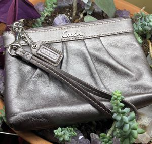 Leather coach wristlet wallet pouch clutch bag for Sale in Gallatin, TN