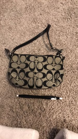 Coach wristlet for Sale in Coralville, IA