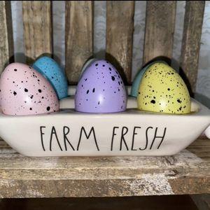 Rae Dunn FARM FRESH Egg holder for Sale in Las Vegas, NV