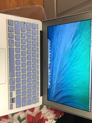 CHRISTMAS SPECIAL!! MacBook Air i5..$299.. 2854 Dewey Ave. Open 10-8 for Sale in Rochester, NY