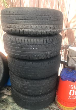 Jeep wheels and tires for Sale in Miami, FL