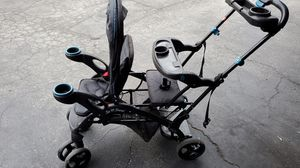 Carseat y stroller baby treand for Sale in San Jose, CA