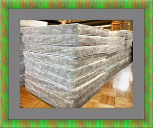 King mattress with King box springs for Sale in Crofton, MD
