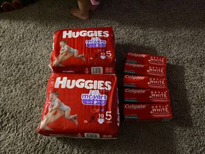Huggies size 5 diapers for Sale in Vancouver, WA