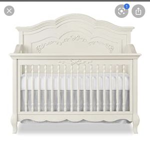 Evolur Aurora 5-in-1 Convertible Crib for Sale in Lancaster, OH