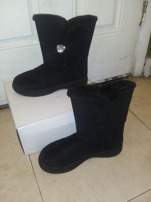 sise 10 women's boots very little use in its clean box for Sale in Las Vegas, NV