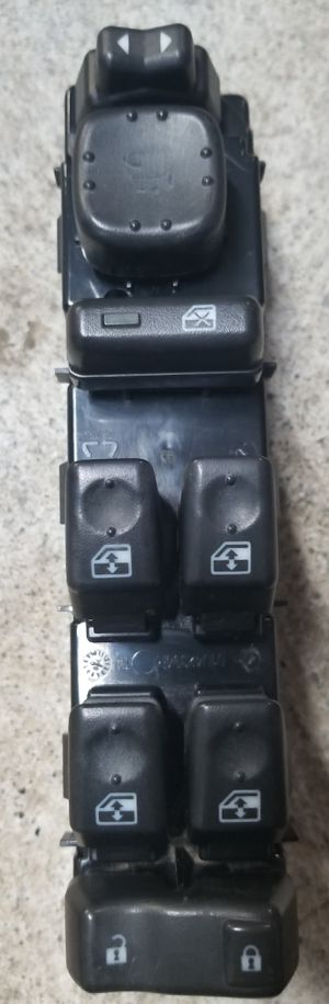 Used GM OEM 03 - 06 4 Window, Door Lock, Mirror Control For Driver Side! ONLY $40! for Sale in Gonzales, LA