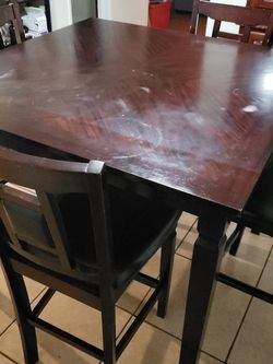 Bar Height Dinning Table For/4 for Sale in Los Angeles,  CA
