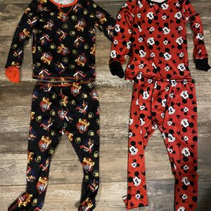 Size 4 Cuddle Duds/ Warming Clothes for Sale in Dyer, IN