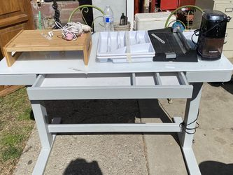 Standup Electronic Desk for Sale in Manteca,  CA