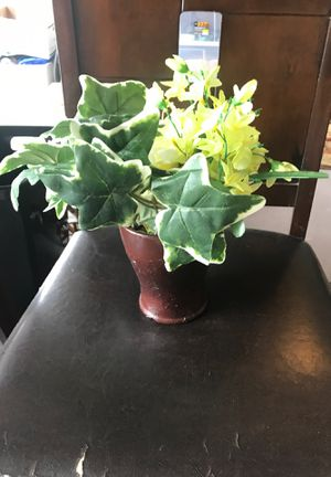 Flower pot for Sale in Frisco, TX