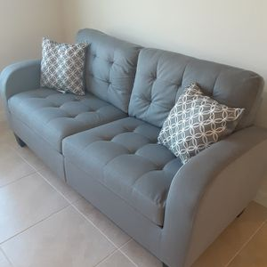 Sofa and Loveseat In Gray Color Very Comfortable Firm for Sale in Haines City, FL