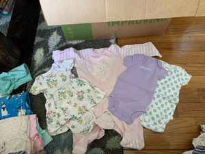 Free bag of clean NB and 0-3 month baby girl clothes for Sale in Cheshire, CT