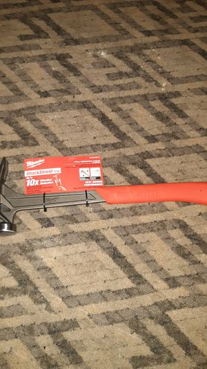 Milwaukee 17oz smooth face hammer for Sale in Nashua, NH