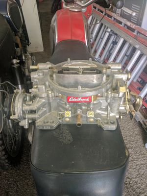 600 Edelbrock carburetor for Sale in Bay City, MI