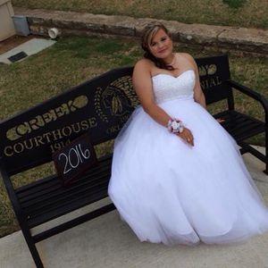 Wedding Dress for Sale in Glenpool, OK