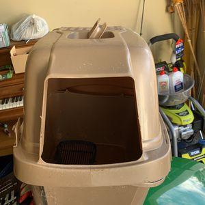 Cat Litter Box Free for Sale in Fayetteville, GA