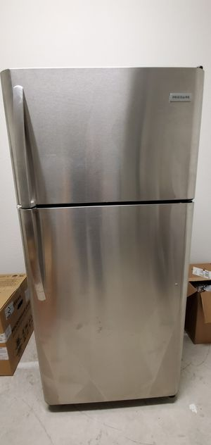 New fridge, frigidaire for Sale in Miami, FL