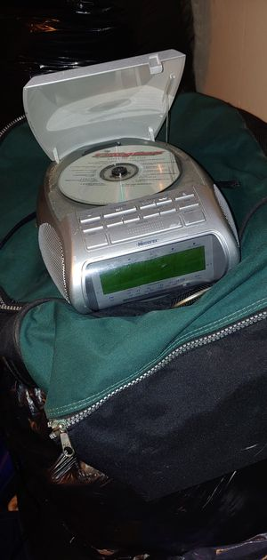 Is anybody looking for a nice alarm clock radio CD player for Sale in Tucson, AZ