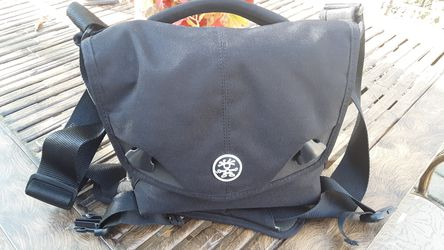 Crumpler- DSLR bag *Excellent Condition for Sale in Ballwin,  MO